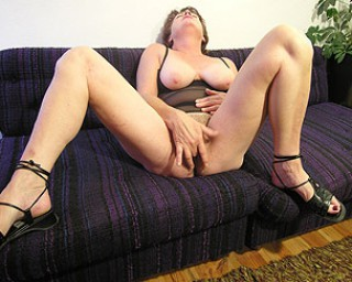 Mature slut gets to a climax on her own